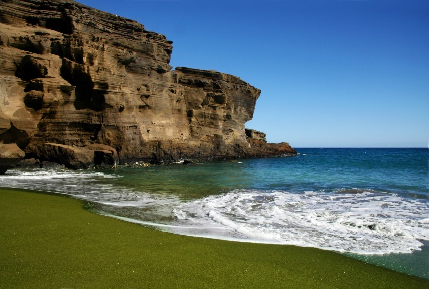 Green Sand Beach with sea cliffs on the Big Island